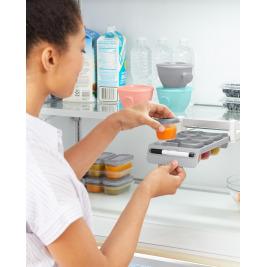 Držiak do chladničky s označovačom a stohovateľnými nádobkami na jedlo 8 x 60ml